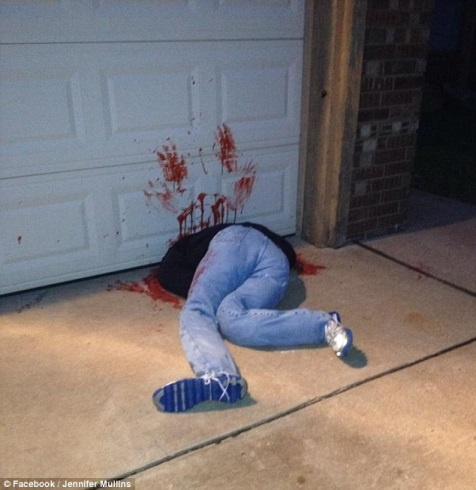 halloween-garage-door-injury